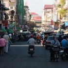 _ulični vrvež v Phnom Penhu_