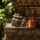 _prižiganje dišečih palčk je najpogostejši ljudski budistični dnevni obred_