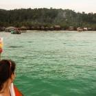 _prihod na Koh Rong, na obzorju vas Sok San in najini bungalovčki_