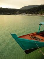 _ribiški čoln, zadaj vas Sok San_