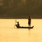 _ribiči na delu navsezgodaj zjutraj, ko smo z ladjico štartali iz Battambanga_