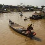 _v teh krajih je čoln glavno prevozno sredstvo_